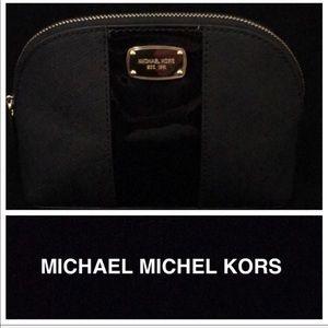 Michael Kors Met Center Stripe Travel Pouch NWT